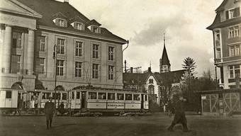 Die Bahnen nach Menziken und Schöftland hielten einst auf der Bahnhofstrasse.