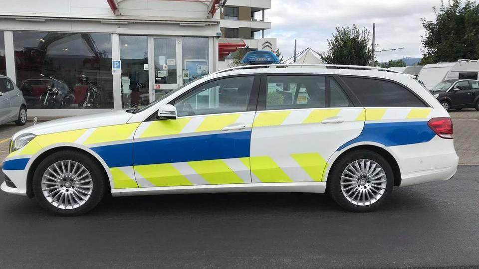 Aargauer Autohändler verkauft Polizeiauto auf Facebook