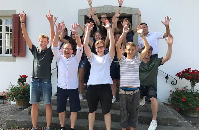 Gruppenfoto vor dem Humbelhuus