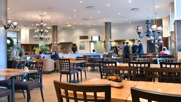So präsentiert sich das rundum erneuerte Restaurant Bahnhofbuffet zwischen den Gleisen 4 und 7 im Oltner Bahnhof.