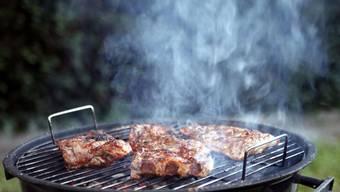 Hautausschläge wegen Grillfleisch? Ja, das ist nicht auszuschliessen.