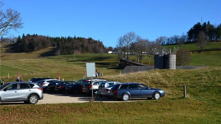 Die Parkplätze auf dem Weissenstein erfreuen sich grosser Beliebtheit, sie sind (noch) gratis.