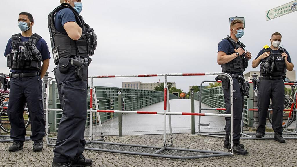 Deutsche Regierung besorgt über Zusammenstösse bei Protesten in Berlin