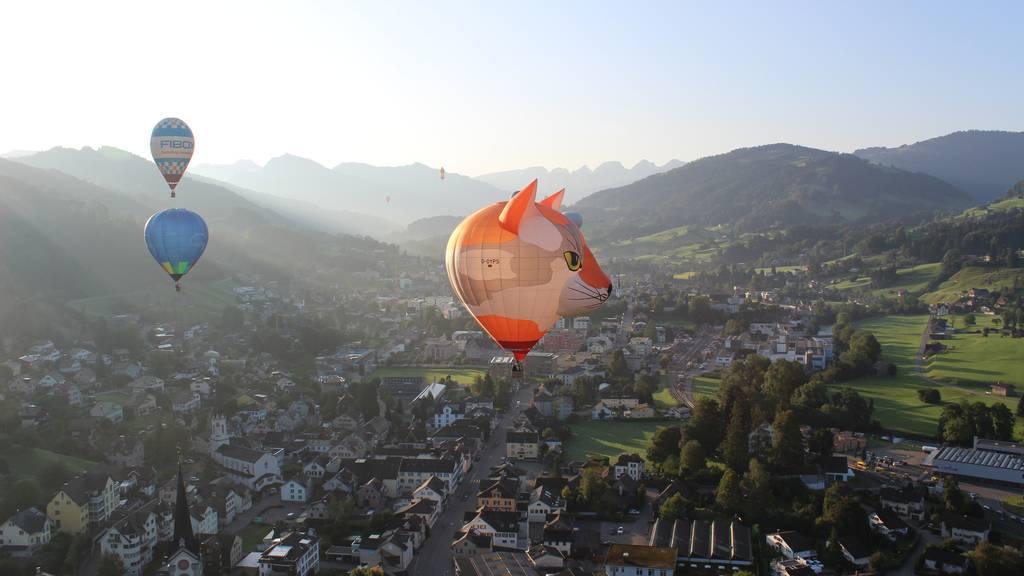 Riesen-Boccia aus dem Heissluftballon
