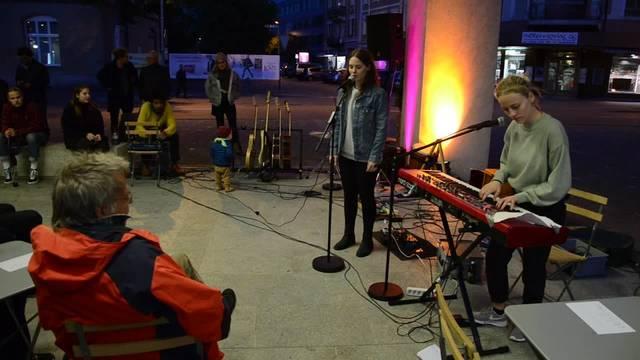 Musik und Drinks: In Brugg mischen die Jungen die Wahlen auf