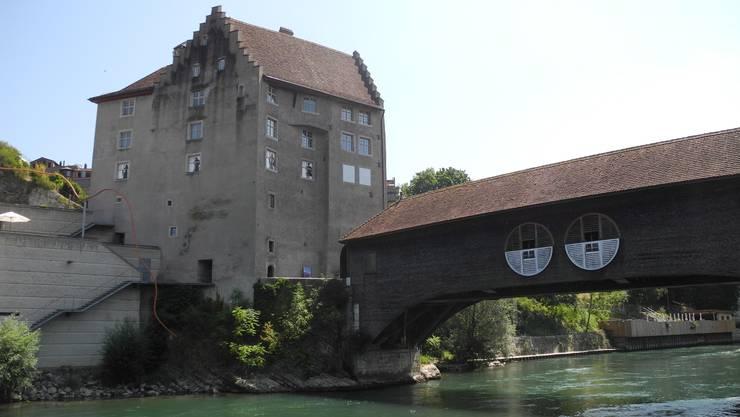 Die Holzbrücke beim Badener Landvogteischloss stammt aus dem Jahr 1810.