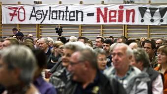 Infoveranstaltung zum Verenahof: Grossandrang in der Mehrzweckhalle Koblenz