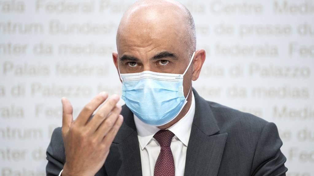 Bundesrat Alain Berset informiert am Mittwoch über die neuesten Entscheide im Zusammenhang mit der Corona-Pandemie.