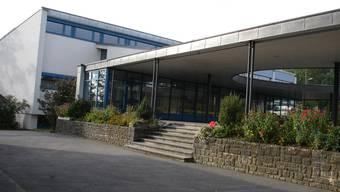 Beim neuen Schulhaus ist von einem grösseren Sanierungsbedarf auszugehen.