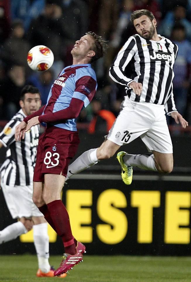 Von 2012 bis 2014 spielte er in der Türkei bei Trabzonspor.