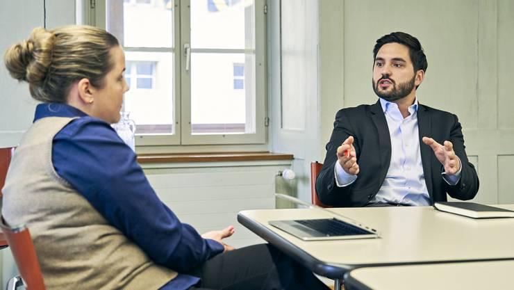 SVP-Grossrätin Martina Bircher und SP-Nationalrat Cédric Wermuth diskutieren über Sozialhilfe. Im Gespräch ging es nicht selten hitzig zu und her.