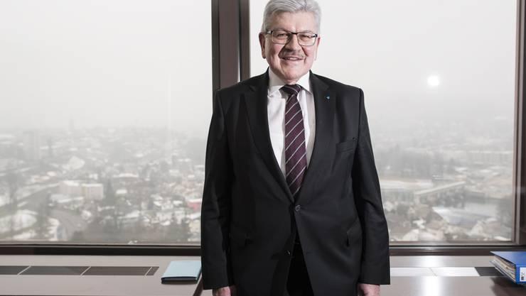 Finanzdirektor Roland Brogli in seinem Büro in Aarau.