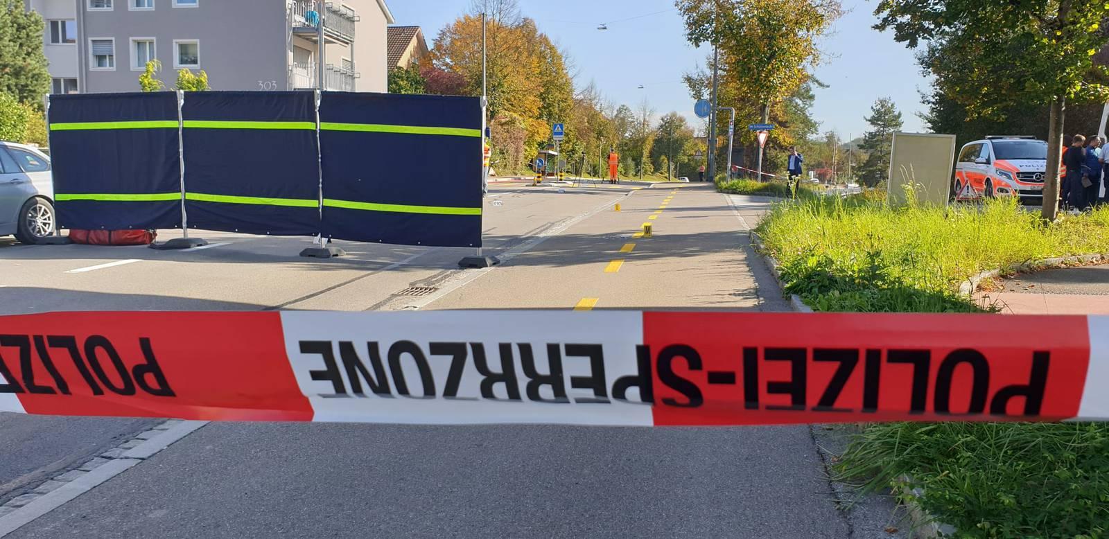 Grosseinsatz nach Autoklau in Winterthur (© BRK News/Beat Kälin)