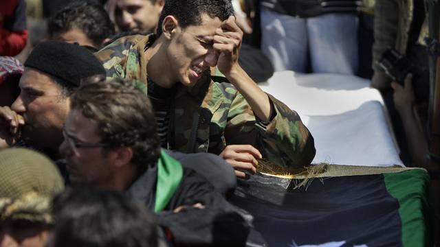 Menschen trauern in Benghasi um Freunde und Angehörige