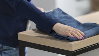 Die Modekette Companys betreibt künftig in der Schweiz noch neun Läden. (Symbolbild)