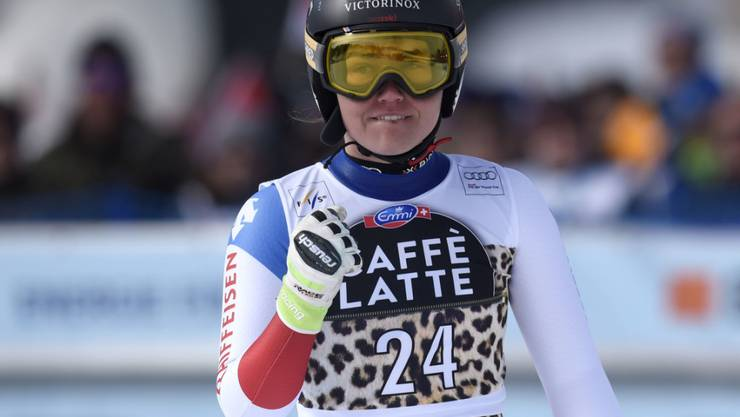 Fabienne Suter freut sich über ihre starke Leistung im Weltcup-Super-G von Lenzerheide