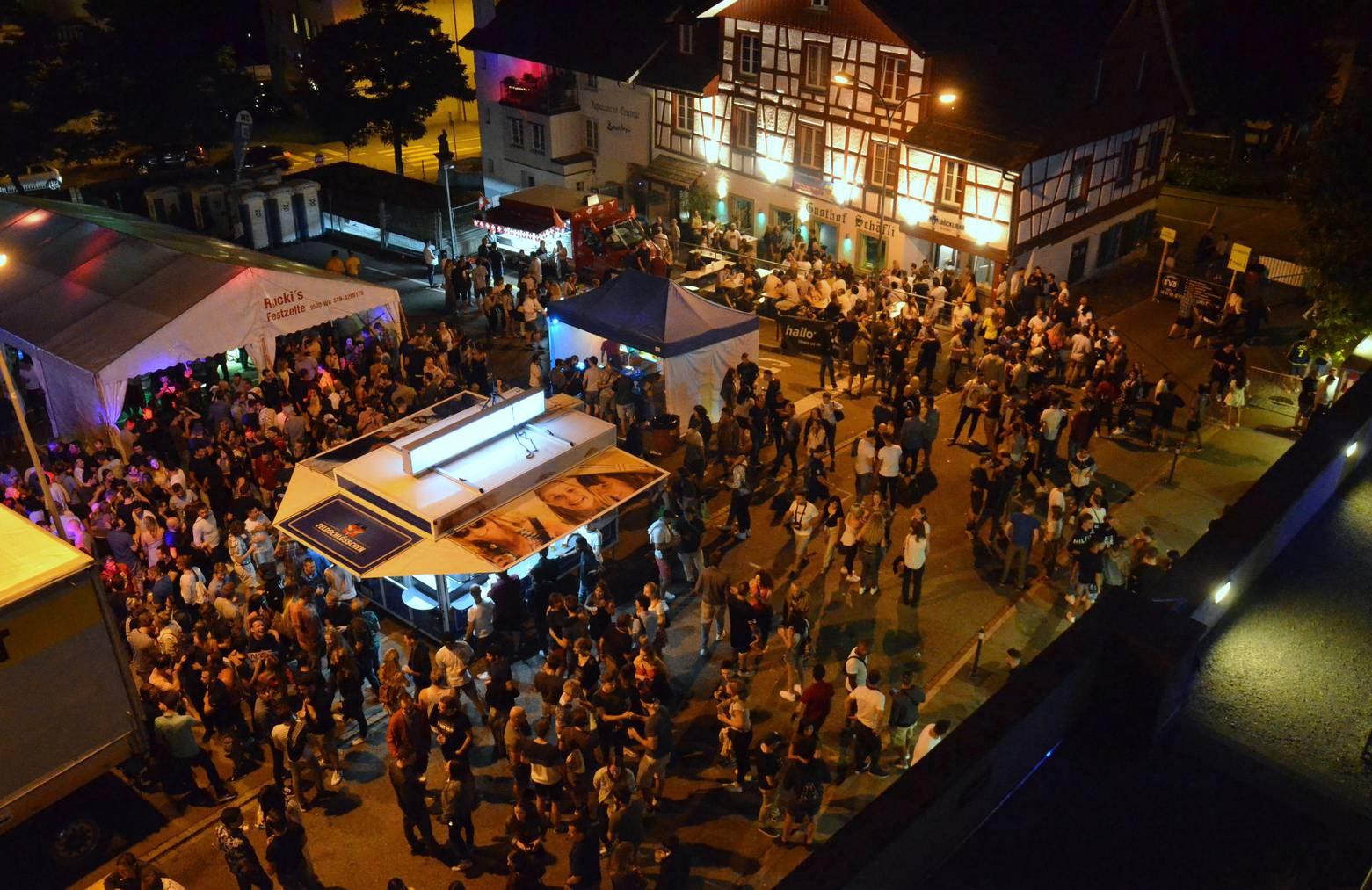 Rund 5000 Gäste versammelten sich Mitte Juli auf dem Viehmarktplatz neben der Böckli-Bar, dem ehemaligen J&B-Pub. (Bild: Tagblatt)
