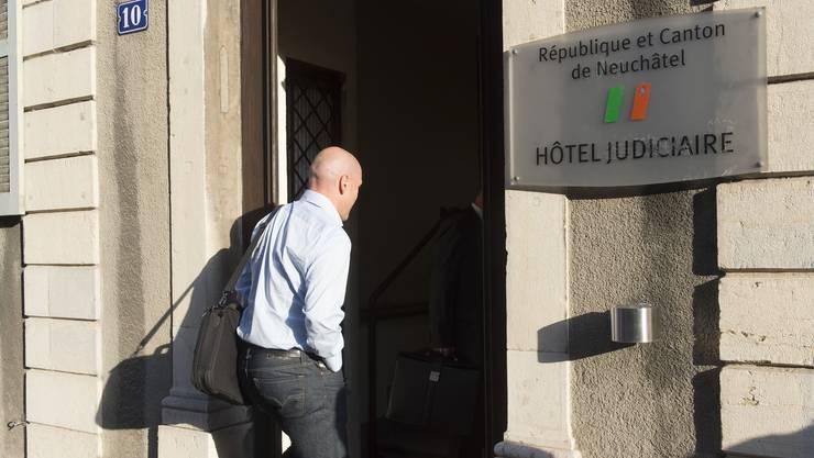 Didier Cuche ist wegen Verstössen gegen das Strassenverkehrsgesetz zu Geldstrafen verurteilt worden.