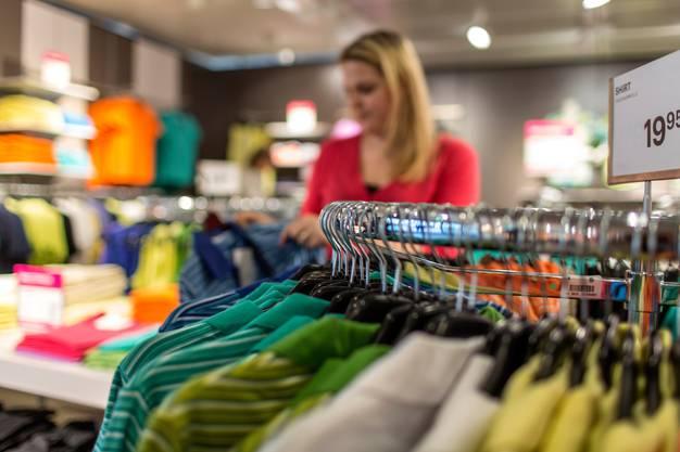 Durch bewusstes Einkaufen können Konsumentinnen und Konsumenten zu mehr Nachhaltigkeit beitragen.