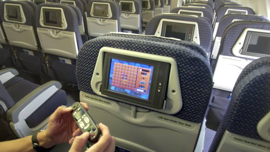 Laut einer Augenzeugin an Bord flogen Passagiere aufgrund von Turbulenzen «buchstäblich über die Sitze». (Symbolbild)