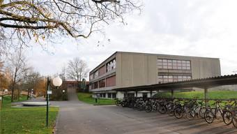 Nicht alle Zurzibieter Bezirksschulen haben eine Zukunft. Im Bild das Klingnauer Schützenmatt-Schulhaus.