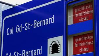 Der Grosse St. Bernhard wird noch mindestens bis Mitte Januar geschlossen bleiben. (Archivbild)