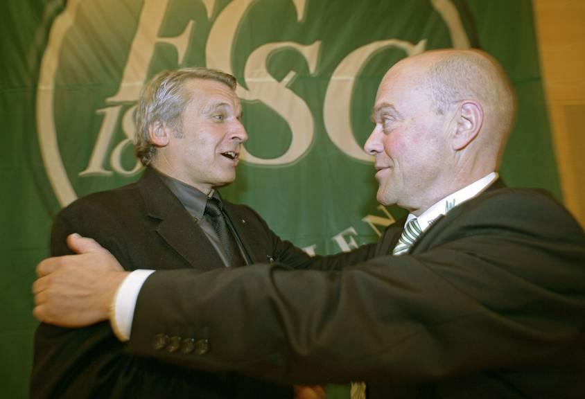 Zwei ehemalige FCSG-Verwaltungsräte: Noch-VR Martin Schönenberger (im Bild links) und Ex-VR Michael Hüppi. Bild: Tagblatt Archiv