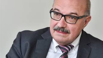 Tritt Kurt Henzmann als Gemeindepräsident nochmals zum zweiten Wahlgang an? Heute bis 17 Uhr muss er sich entscheiden. (Archiv)