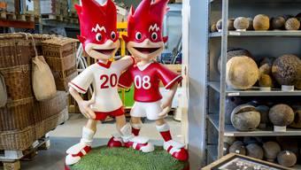 10 Jahre nach der Euro 08: Trix und Flix gibt es noch, sie stehen ganz hinten im Begehlager des Sportmuseums