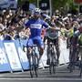 Fernando Gaviria gewinnt im Sprint die 1. Etappe der diesjährigen Tour de France