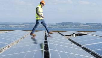 Der Ausbau der erneuerbaren Energien kommt voran. Der Bund zieht eine positive erste Bilanz zur Energiestrategie. (Themenbild)
