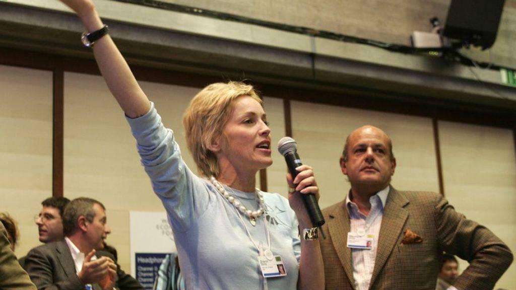 Ein memorabler Moment aus der 50-jährigen Geschichte des WEF: Sharon Stone ruft während einer Veranstaltung über Malaria zur Spende für Moskitonetze auf. Eine Million Dollar kommt in fünf Minuten zusammen. Freilich: Die Netze werden nicht benötigt, lokale Handwerker stellen genug her. (Archivbild)