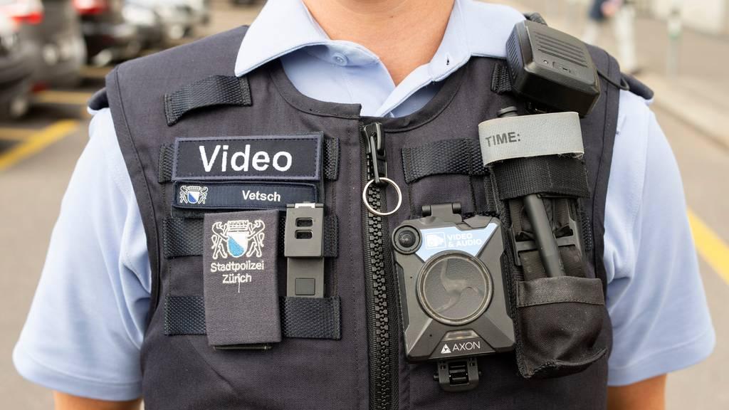 Polizisten sollen ab 2021 in Einzelfällen Bodycams einsetzen