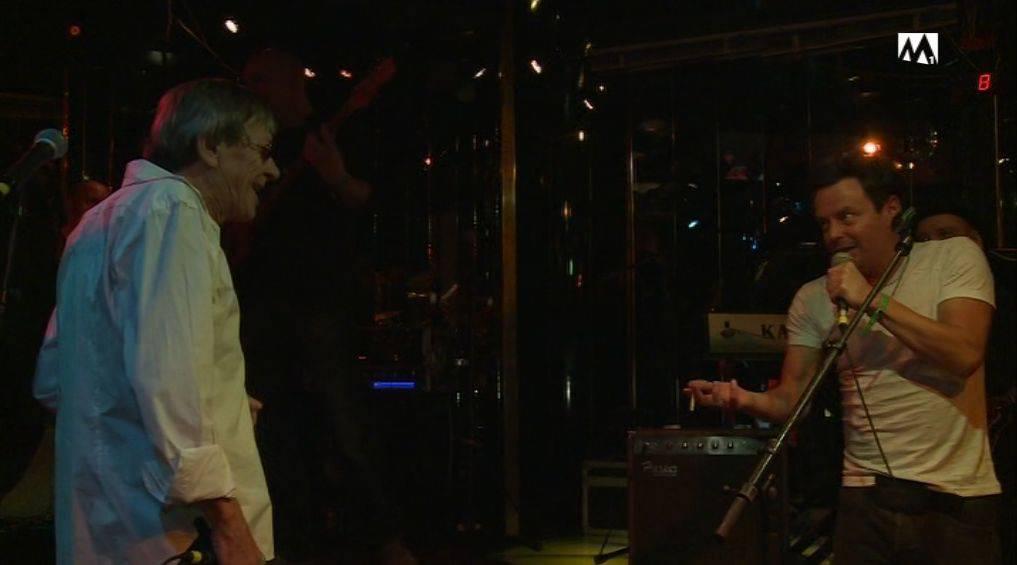 Polo Hofer wirft bei einem gemeinsamen Konzert Florian Ast von der Bühne