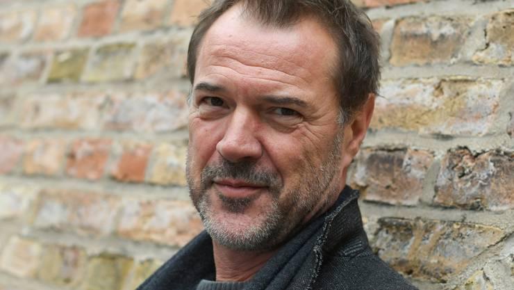 """Sebastian Koch hat seinen Job gut gemacht: Der deutsche Schauspieler spielt auch in der sechsten Staffel der US-Serie """"Homeland"""" wieder mit. (Archivbild)"""
