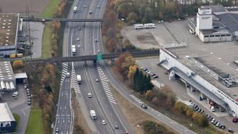 Die Autobahn A1 auf der Höhe der Gemeinde Oftringen.