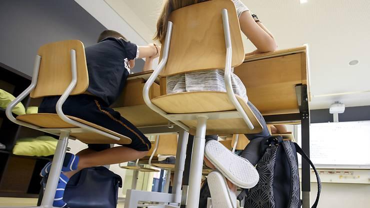 Platzmangel in Lenzburger Schulzimmern macht den Schülern zu schaffen.