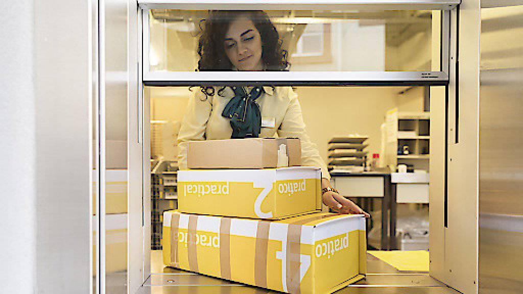 Im letzten Jahr hat die Post erneut mehr Pakete zugestellt - dank dem Onlinehandel. (Archivbild)