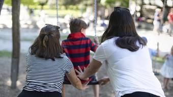 Zwei Mamis, aber kein Papi: Gleichgeschlechtliche Paare dürfen Stiefkinder adoptieren.