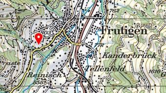 Etwas ausserhalb des Dorfzentrums von Frutigen ist am Donnerstagnachmittag ein Bauernhaus abgebrannt. Nach der Bewohnerin wird noch gesucht.