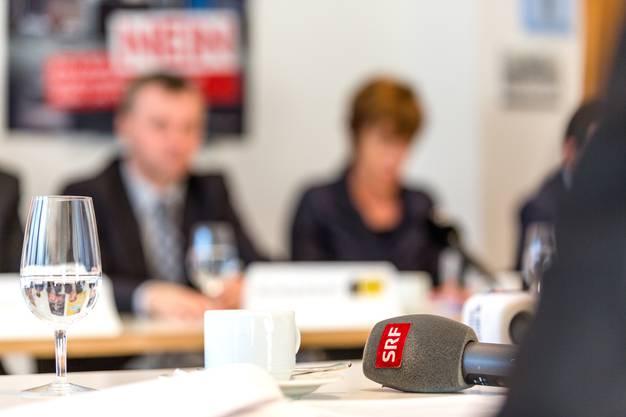 """Medienkonferenz des überparteilichen Komittees """"Nein zu No Billag""""."""