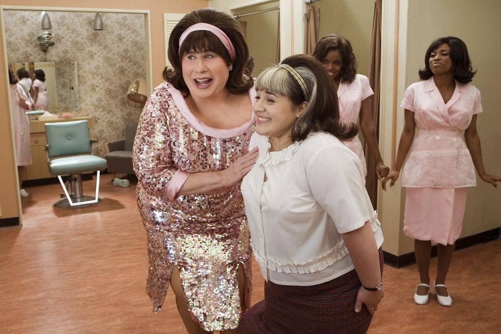 John Travolta (© Im Film «Hairspray» als tanzende Glucker.)