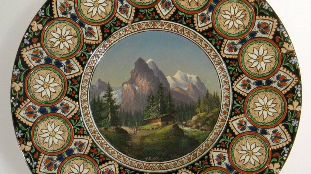 Kunst oder Kitsch: das Museum Schloss Thun zeigt in einer Sonderausstellung Souvenirkeramik der Belle Epoque.