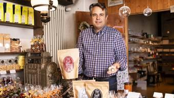Geschäftsführer Mike Schärer ist enttäuscht, dass die Kapseln nur zu Hause kompostiert werden dürfen.