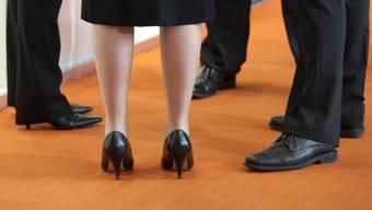 Beim Bund sind mehr Frauen in Spitzenpositionen tätig. Im vergangenen Jahr wurden die Ziele bei den obersten Kadern erstmals erreicht. (Themenbild)