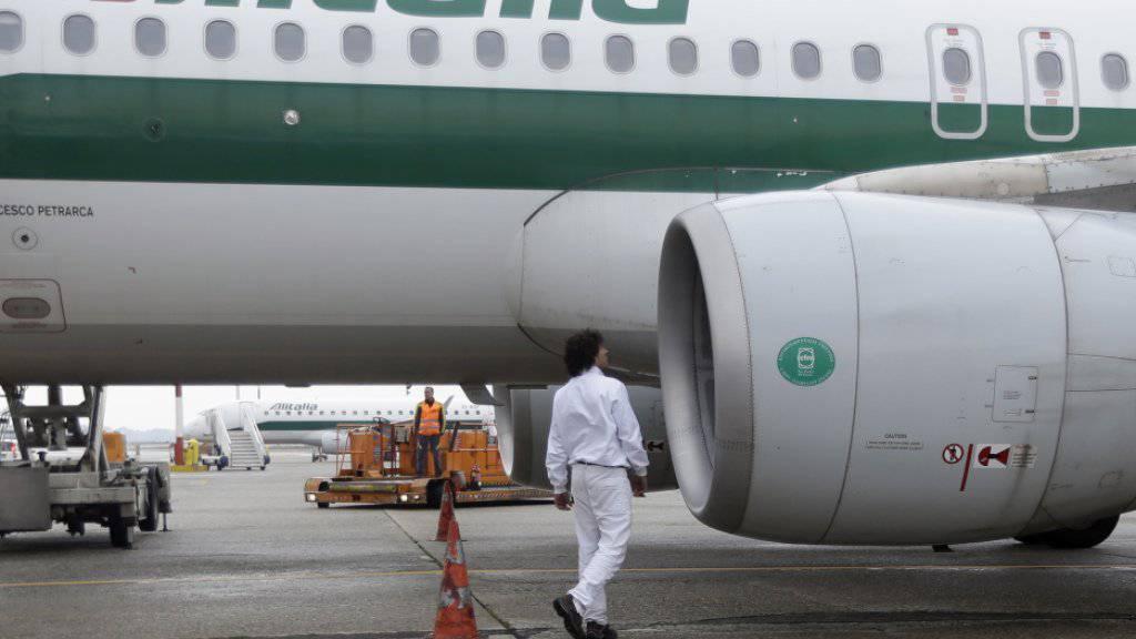 Kein Investor gefunden: Die Zukunft der insolventen Fluggesellschaft Alitalia ist weiter offen. (Archivbild)