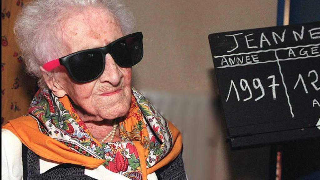 Jeanne Calment am Vorabend ihres 122. Geburtstags im Februar 1997.