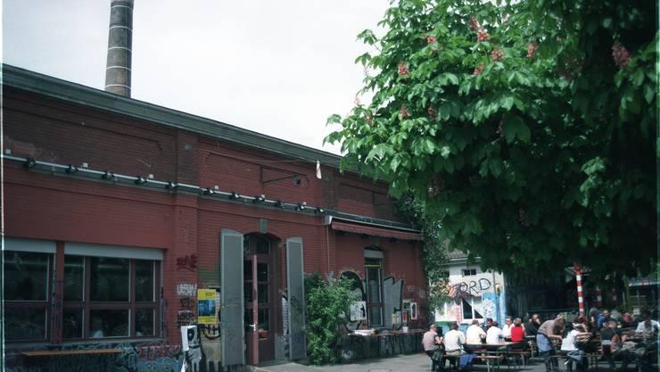 Das Kulturzentrum Rote Fabrik mit der Gartenwirtschaft «Ziegel oh Lac».