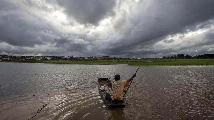 """Der Wirbelsturm """"Enawo"""" hat in Madagaskar auch in der Landwirtschaft, etwa auf Reisfeldern, grosse Schäden angerichtet. (Archivbild)"""