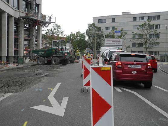 Die Kreuzung HeimstrasseÜberlandstrassse in Dietikon wird fertiggestellt